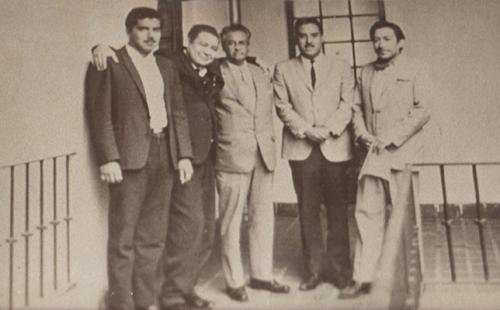 Luis Alveláis Pozos, el segundo de izq. a derecha